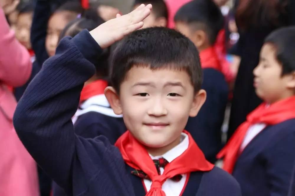 龍華新區外國語學校智慧校園三網合一以及智慧校園家校互通平臺建設