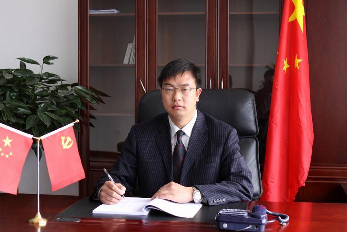 李寿鼎,会泽县实验高级中学第三任校长。任期:2009年8月.jpg