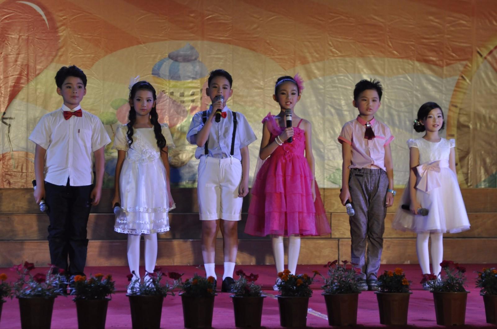台州市双语学校2014六一演出001.JPG