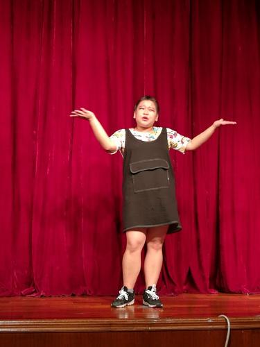 本期最小学员彭千玲同学的故事表演_调整大小.jpg