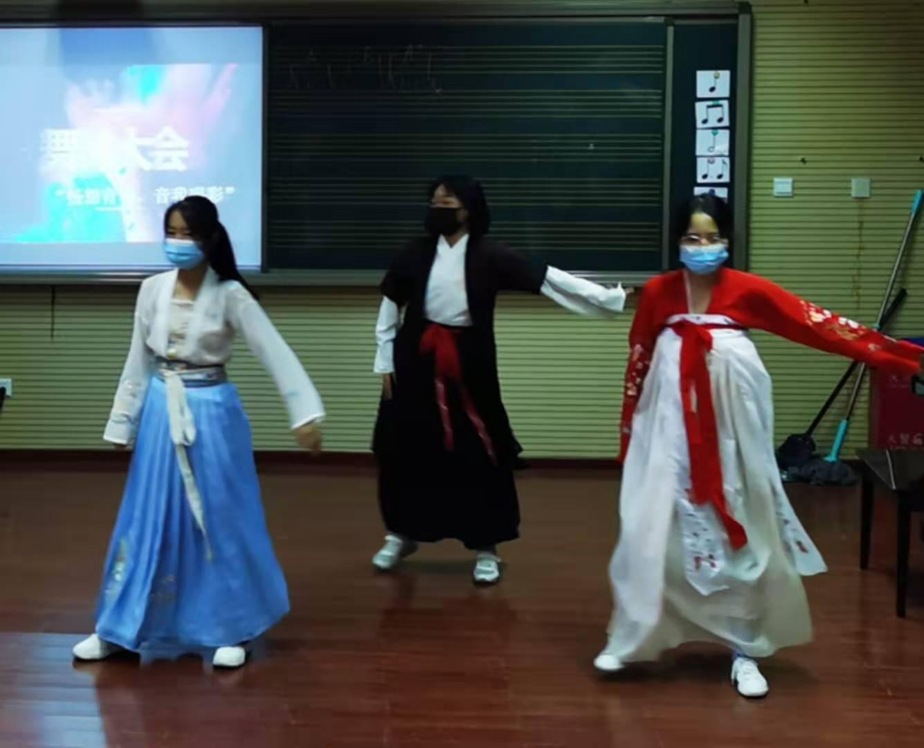 舞蹈表演.jpg