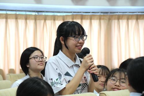 5.同学现场提问_调整大小.jpg