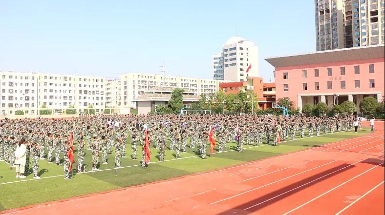 【军训特辑】曾国藩学校举行防空袭、防地震、防火灾紧急疏散演练
