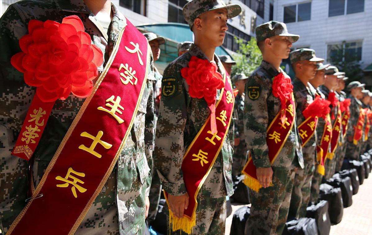 专科生大二和大学毕业去当兵,有4大区别,学生和父母须知