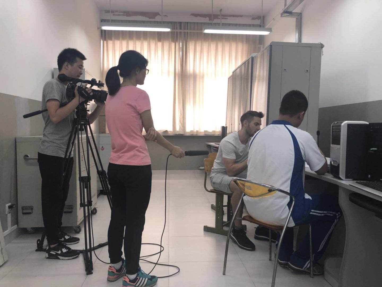 朝阳有线电视台记者实时摄像.jpg