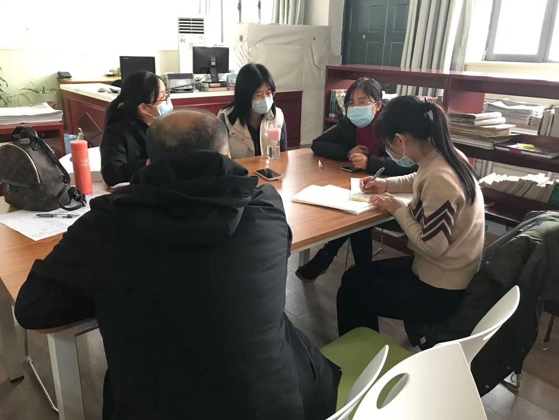叶庆华、何平老师指导交流.jpg