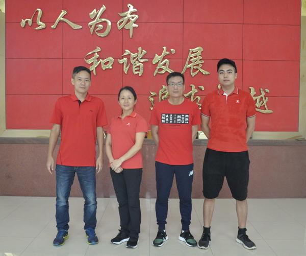 体育备课组团队.JPG