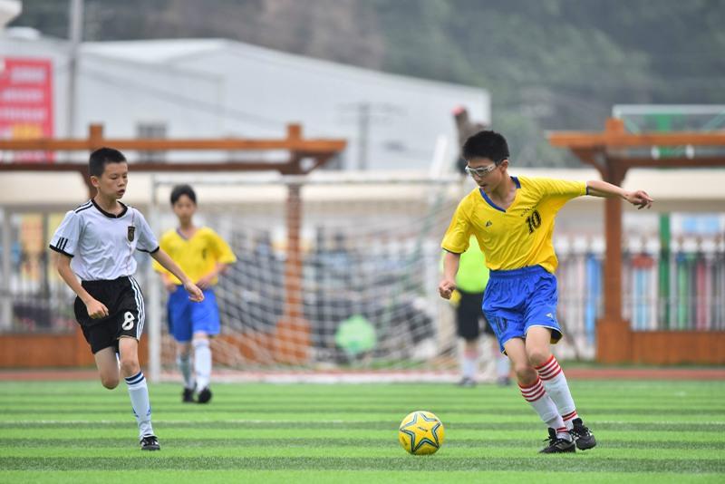 台州市第五届青少年足球联赛在双语学校开展