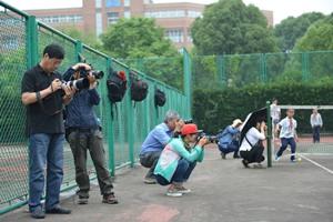 网球进双语专题摄影活动正在开展