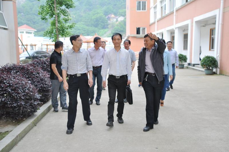 椒江区政协副主席周普顺来我校调研教育信息化工作