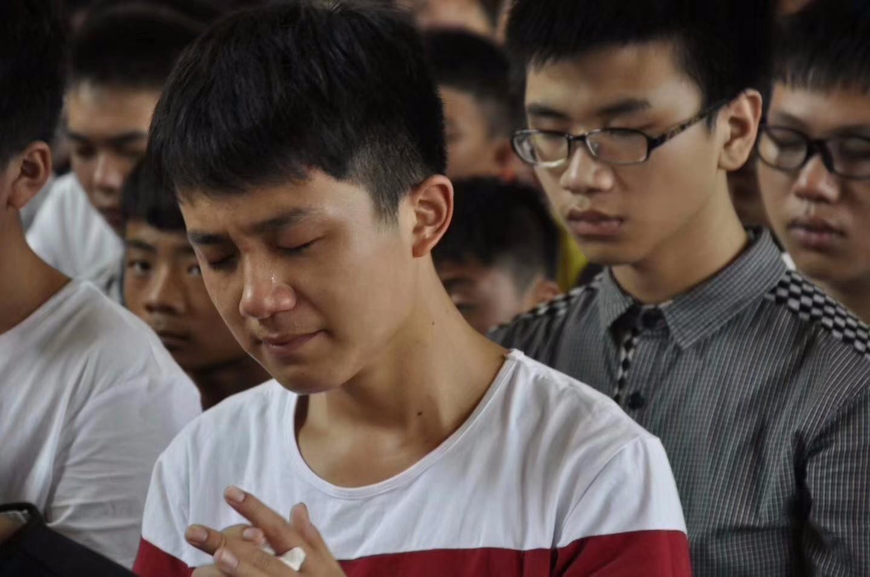 湖南省邵东县职业中专学校《中国梦-人人皆可成才》专题讲座