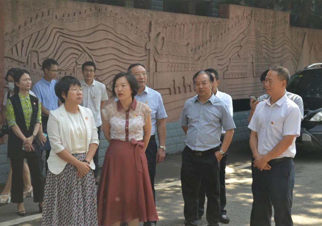 領導關懷 指導發展——副市長馬曉鳳蒞臨市建校檢查指導工作