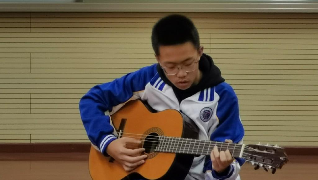 吉他演奏.jpg