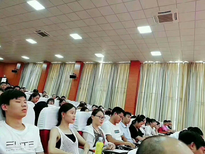 和谐号教师培训走进文博学校与龙南实验学校