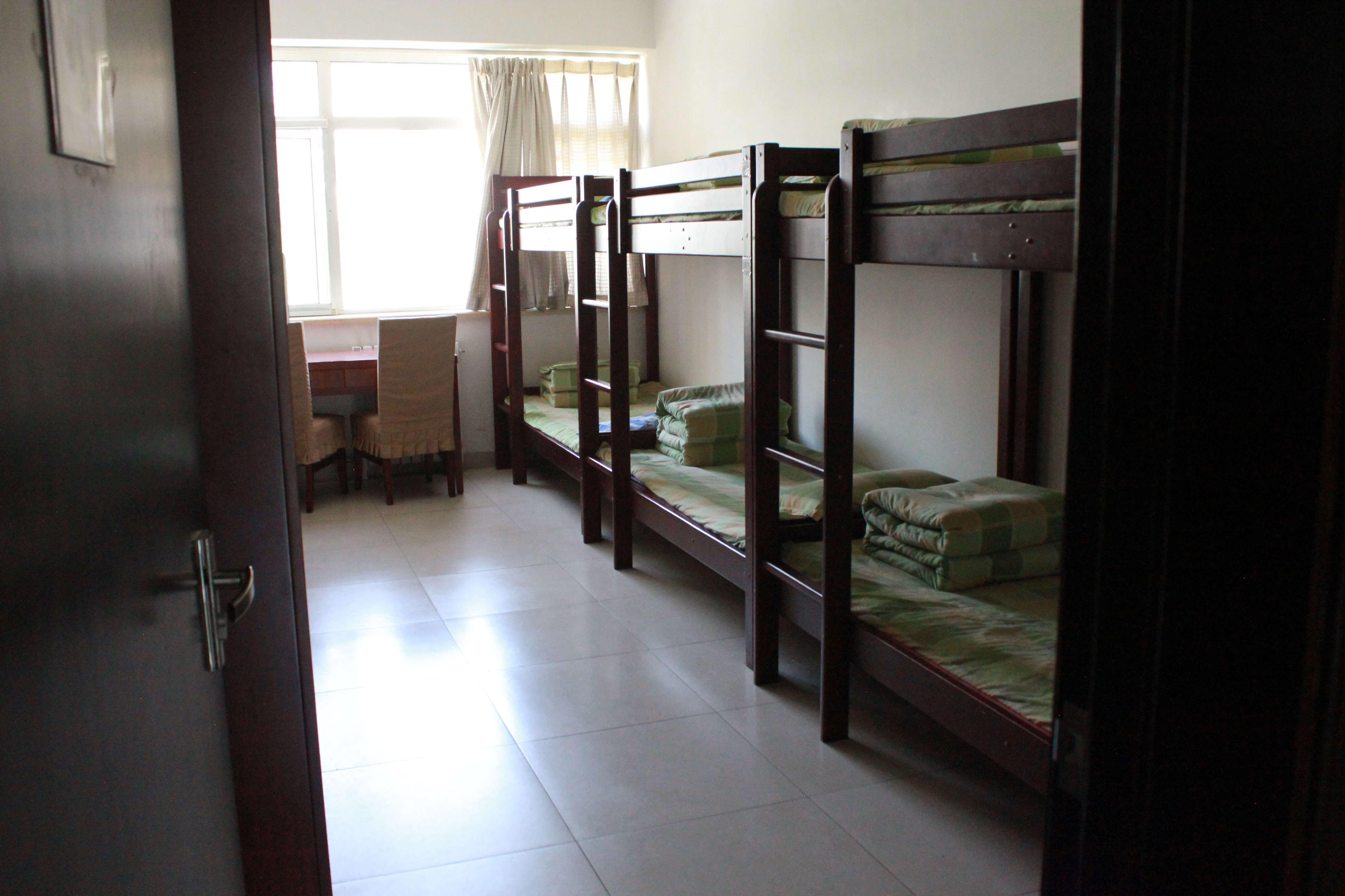 整洁舒适的学生宿舍.jpg