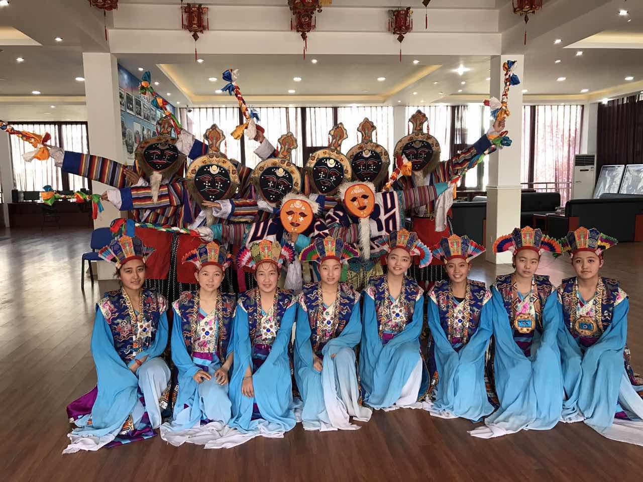 高中部藏戏舞蹈《普天同庆》获得三等奖.jpg