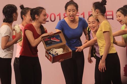情景剧《聚》曾获得广州市中小学生语言艺术比赛一等奖.JPG
