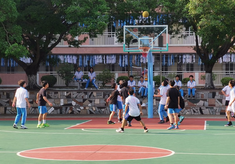 高一9 篮球赛照片3.jpg