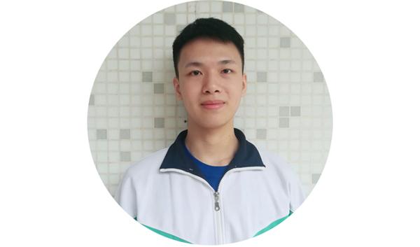 传媒第一名黄泮池.jpg