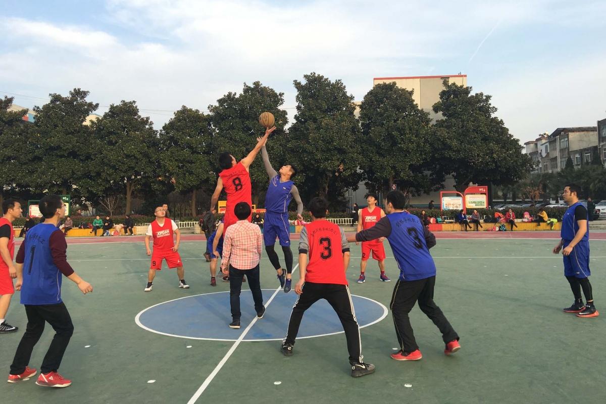 西東兩校區教師籃球賽 拷貝.jpg